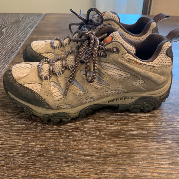 Merrell Shoes - Merrell Moab hiking boots size 7.5